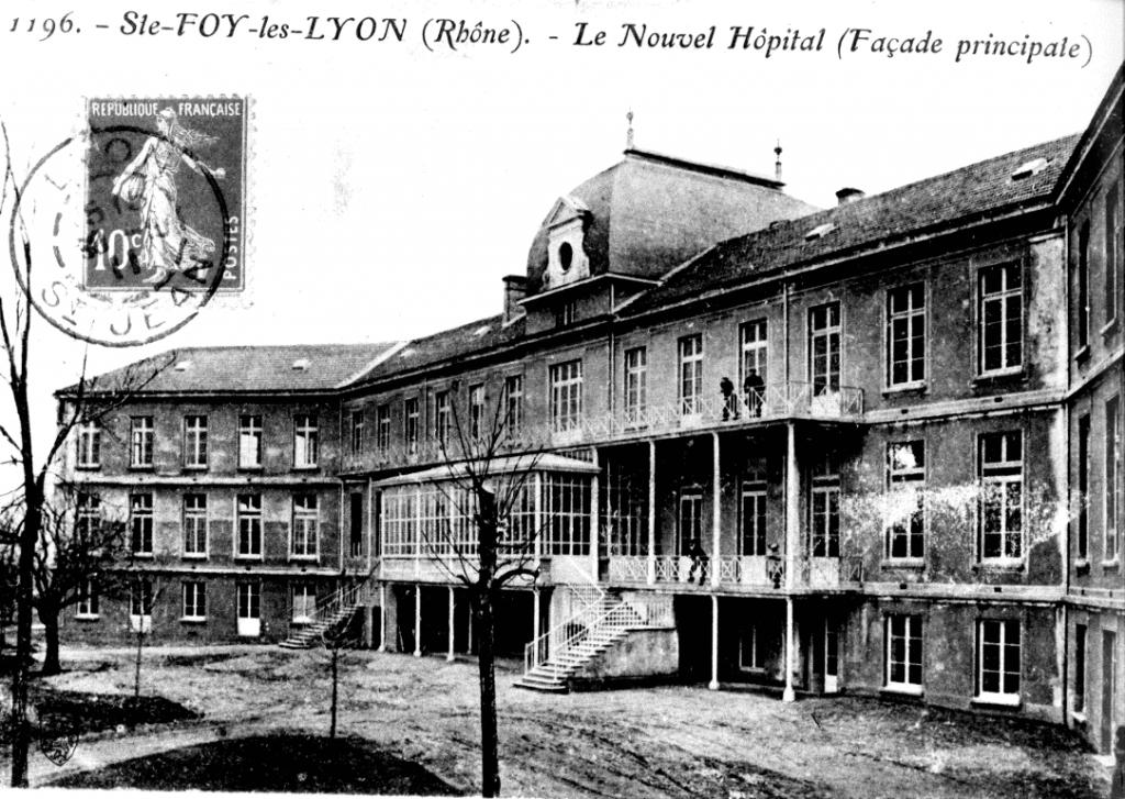 Bâtiment historique de l' Hôpital Maternité de Ste Foy lès Lyon