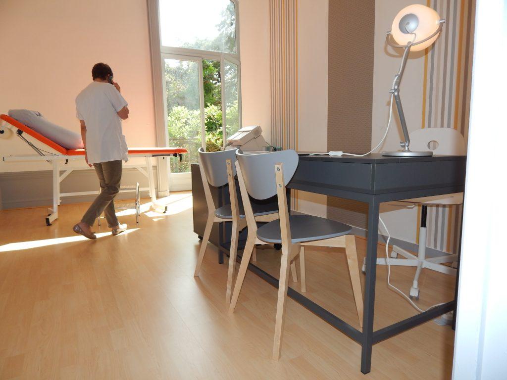 Salle de consultation de l'hopital maternité de ste foy lès Lyon